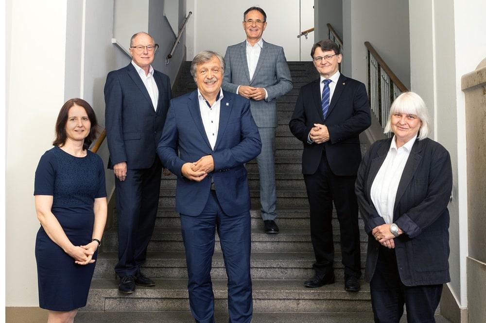 Der neue Hochschulrat der HTWK Leipzig (Amtszeit: 2020-2025). V.l.n.r.: Prof. Heike Graßmann, Prof. Jürgen Staupe, Dr. Mathias Reuschel, Hans-Peter Kemser, Prof. Hubertus Milke, Prof. Gabriele Hooffacker (nicht im Bild: OBM Burkhard Jung). Quelle: Swen Reichhold/HTWK Leipzig