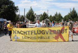 Demonstration für ein Nachtflugverbot am Flughafen Leipzig/Halle. Foto: L-IZ.de