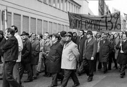 Im Westen selbstverständlich, nicht aber in der DDR: Streik der Gewerkschaft IG Druck und Papier in Köln 1973. Foto: gemeinfrei
