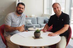 Karsten Günther und Jan Kaufhold bei der Verlängerung der Medienpartnerschaft mit SACHSEN FERNSEHEN. Quelle: SC DHfK