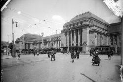 Einmündung der Goethestraße vorm Hauptbahnhof (um 1920). Foto: Stadtgeschichtliches Museum Leipzig