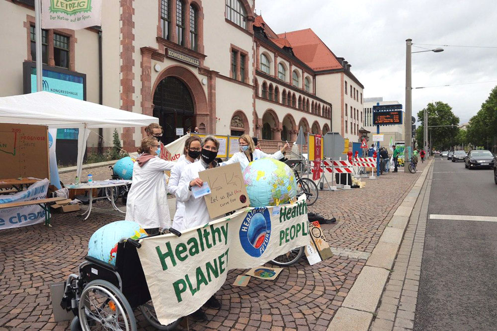 Klimademo vor der Kongresshalle. Foto: L-IZ.de