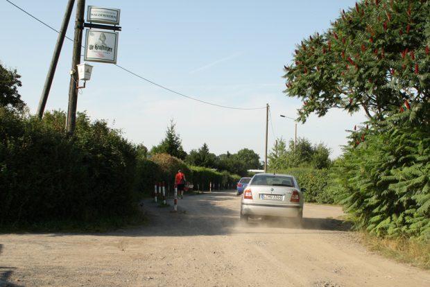 Der Zustand der Küchenholzallee im Bereich der Kleingartenanlagen. Foto: Ralf Julke