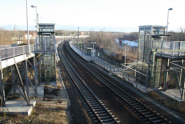 Blick von der Georg-Schwarz-Brücke über den Nordteil des Plangebietes. Foto: Ralf Julke
