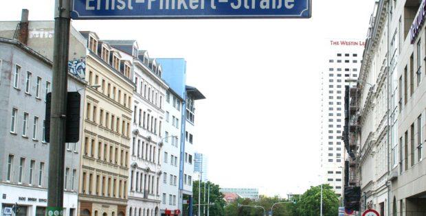 Straßenschild Ernst-Pinkert-Straße. Foto: Ralf Julke