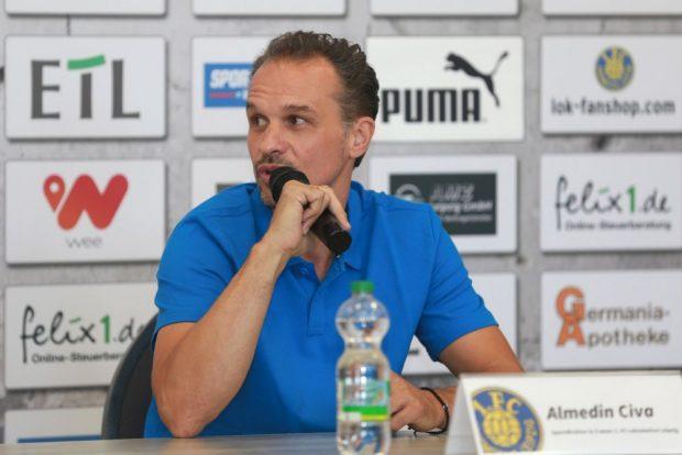 Der neue Lok-Trainer und Sportliche Leiter Almedin Civa stellt sich vor. Foto: Thomas Gorlt