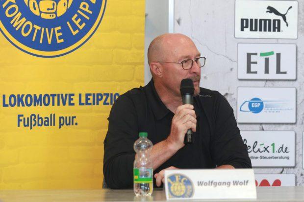 Als Trainer blieb Wolfgang Wolf mit Lok unbesiegt, jetzt hat er seinen Abschied aus Leipzig verkündet. Foto: Thomas Gorlt