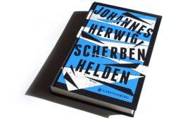 Johannes Herwig: Scherbenhelden. Foto: Ralf Julke