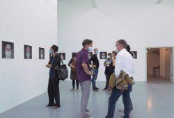 """Eröffnung der Ausstellung """"Zwischen"""". Foto: ODP Galerie"""