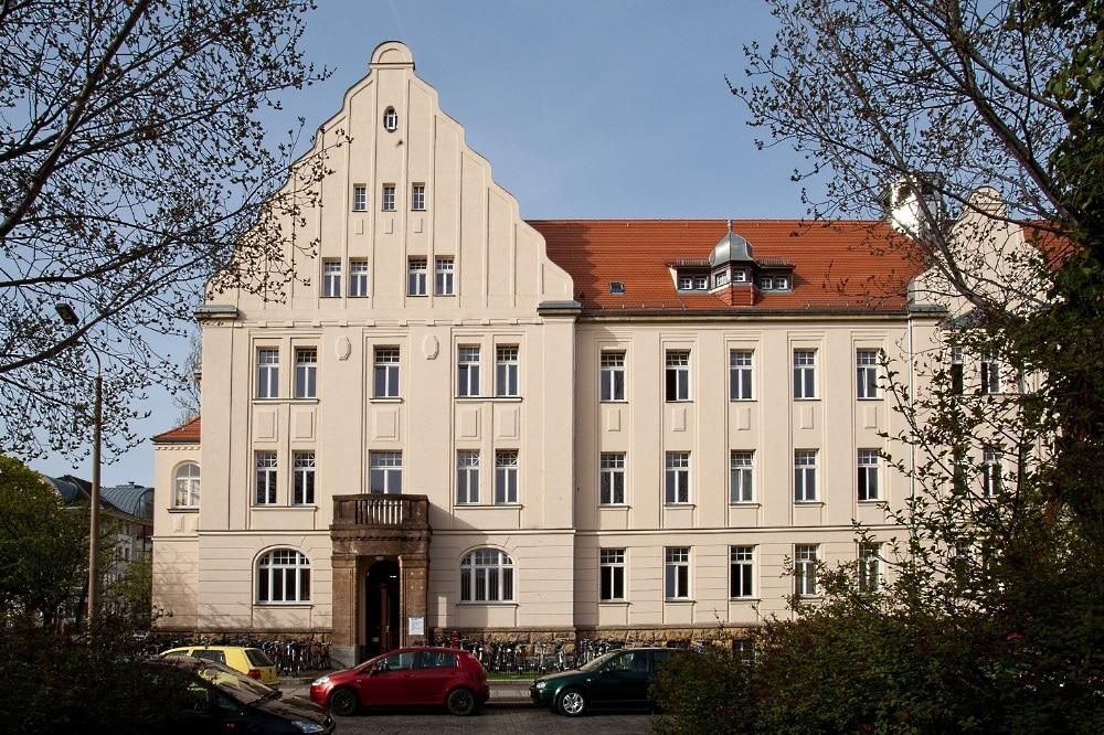 291 Azubis werden an der Medizinischen Berufsfachschule (MBFS) des UKL, einer der größten beruflichen Bildungseinrichtungen dieser Art in Sachsen, immatrikuliert. Foto: Stefan Straube / UKL