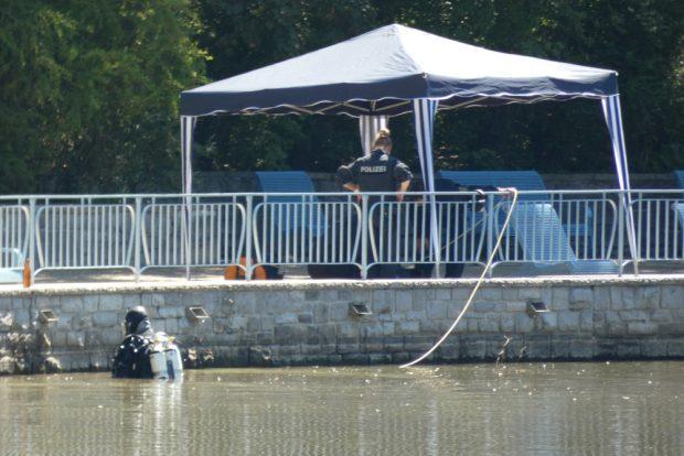 Auch ein Taucher kam im Teich zum Einsatz. Foto: L-IZ.de