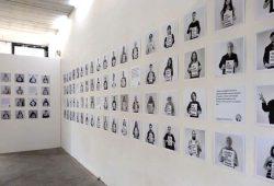 "Blick in die Ausstellung ""We Are Millions #Free Julian Assange"". Foto: Courage Foundation"
