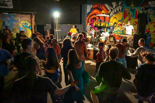 So war's in den Vorjahren: Tanz und Musik beim Vielfalt ohne Grenzen Festival. Foto: Deutsch-Spanische Freundschaft e.V.