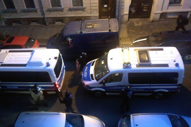 Kurz nach 6 Uhr rollte die Polizei heran. Foto: Privat