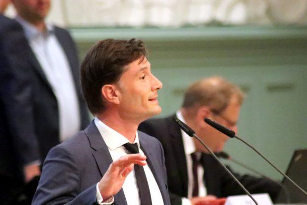 Gerade erst wiedergewählt und schon erneut unter Druck - Heiko Rosenthal bei der Falschparkerdebatte am 16. September 2020. Foto:L-IZ.de