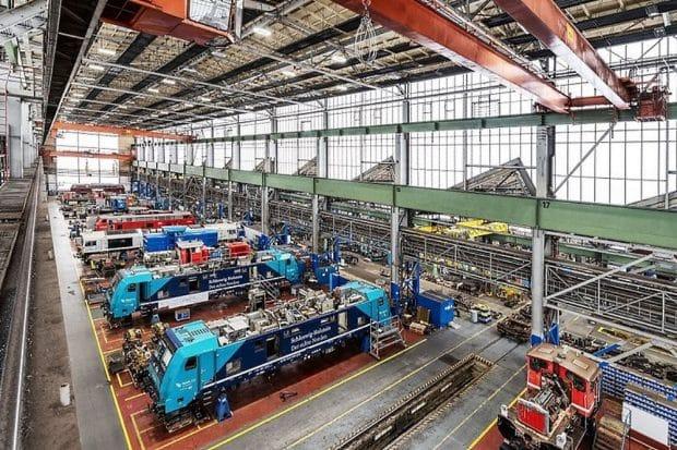 Loks im Werk © Deutsche Bahn AG / Max Lautenschläger)