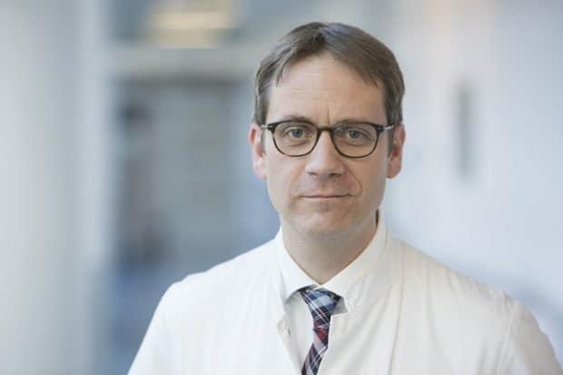 Bei der Behandlung einer Sepsis gilt es, viele Fragen zu klären: Prof. Sebastian Stehr, Direktor der Klinik und Poliklinik für Anästhesiologie und Intensivtherapie, zum Welt-Sepsis-Tag. Foto: Stefan Straube / UKL