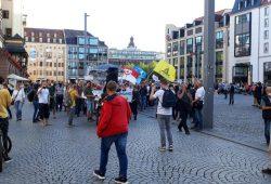 Querdenken 341 stellt sich zur Tanzdemo auf. Foto: L-IZ.de