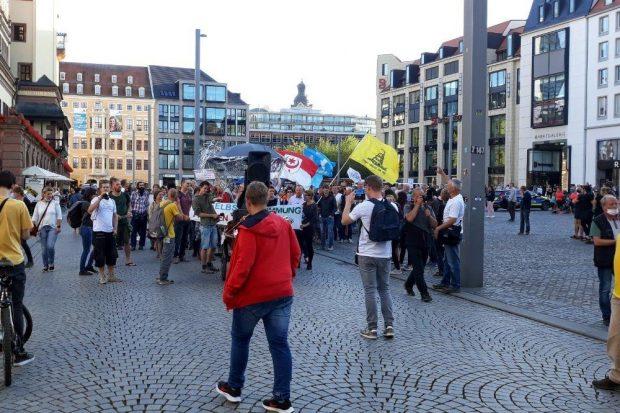 """In Leipzig sonst ein Randphänomen: rund 300 """"Querdenker"""" im September wollen am 7. November 20.000 aus ganz Deutschland werden. Foto: L-IZ.de"""
