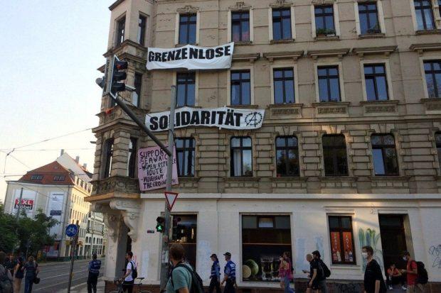 Solidarität an der Wegstrecke. Foto: L-IZ.de