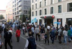 """Die """"Querdenker 341"""" auf ihrem Weg durch Leipzigs Innenstadt. Foto: L-IZ.de"""