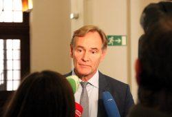 Oberbürgermeister Burkhard Jung nach der Pressekonferenz. Foto: L-IZ.de