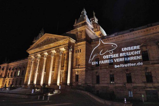 Lichtprojektion am Bundesverwaltungsgericht in Leipzig. Foto: Beltretter