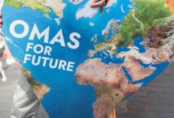 Das Erdherz zum Klimastreik. Foto: Omas for Future