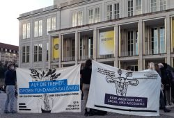 Kundgebung für sichere Abtreibungen auf dem Augustusplatz. Foto: René Loch
