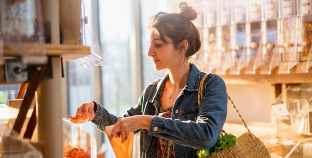 Die Bereitschaft, mehr für nachhaltig produzierte Lebensmittel auszugeben, ist in Deutschland verhältnismäßig groß. Foto: AdobeStock/ jackfrog