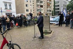 Anlässlich des Anschlages von Halle 2019 trafen sich Vertreter der jüdischen Gemeinde in der Gottschedstraße. Quelle: Initiativkreis 9. November