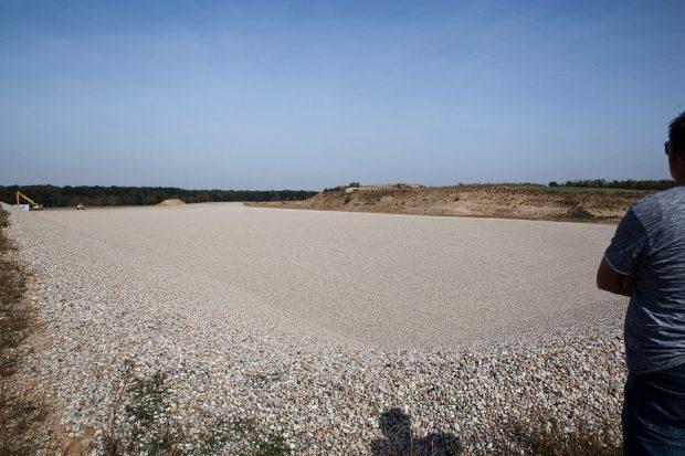 Kiesgrube am Wachberg in Taucha Der erste Deponieabschnitt ist fast fertig gebaut. Die ersten Abfalltransporte werden noch in diesem Jahr erwartet. Foto: Michael Billig.