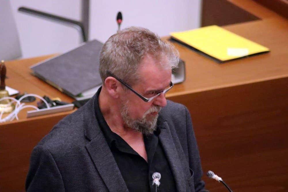 Die Ampelschaltungen sind eins der Themen, mit denen sich Piraten-Stadtrat Thomas Köhler (Freibeuter-Fraktion) besonders beschäftgigt. Foto: LZ