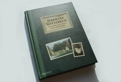 Jonathan Clements: Darwins Notizbuch. Foto: Ralf Julke