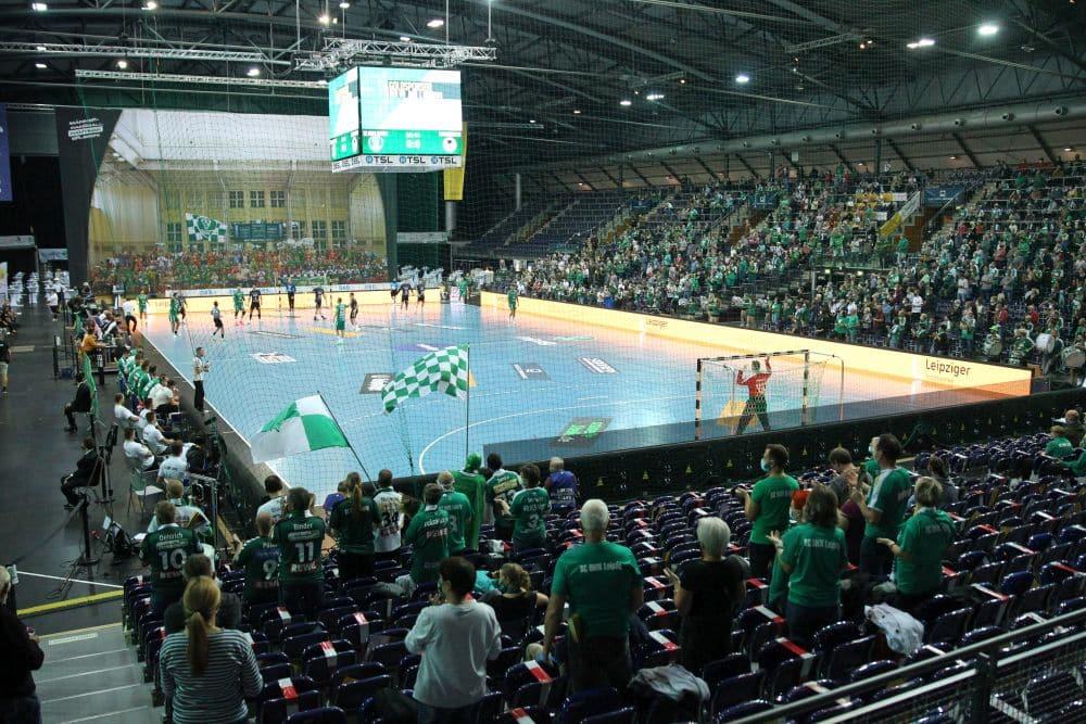Zum Bundesliga-Auftakt der DHfK-Handballer kamen 1.917 Zuschauer in die Arena Leipzig. Am Donnerstagabend dürfen nur 999 rein. Archivfoto: L-IZ.de