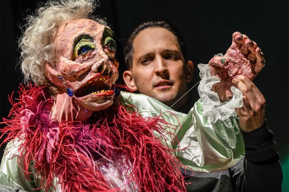 """""""Alles nicht wahr"""" (""""It simply ain't so"""") mit Nikolaus Habjan. Foto: Schauspielhaus Zürich / euro-scene Leipzig"""