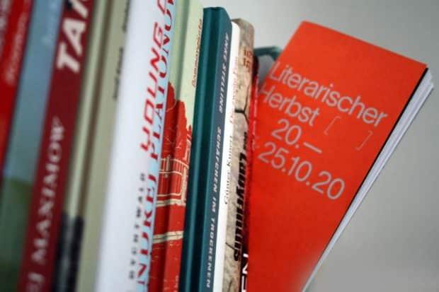 Das Programm für den Literarischen Herbst. Foto: Ralf Julke