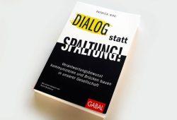 Patrick Nini: Dialog statt Spaltung! Foto: Ralf Julke