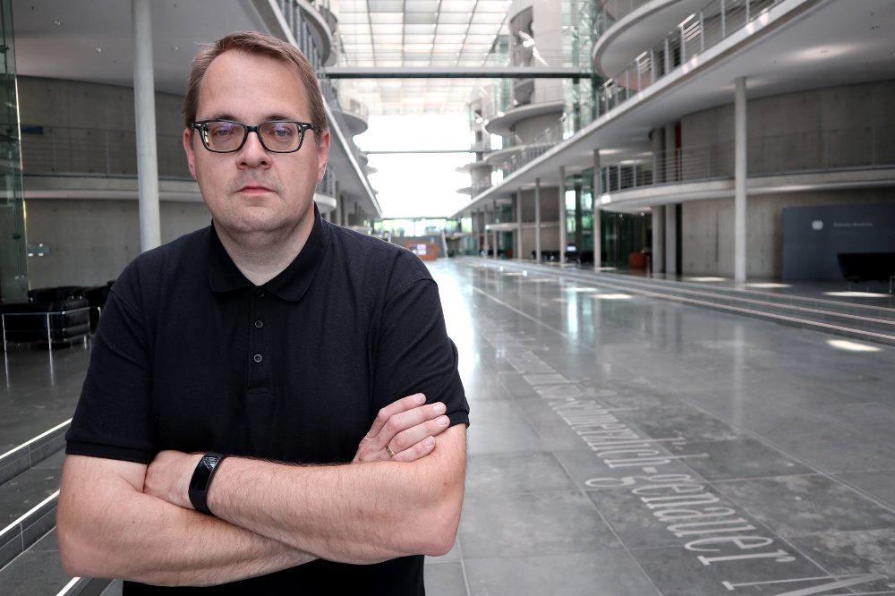 Sören Pellmann, seit 2009 Stadtrat in Leipzig und seit 2017 Bundestagsabgeordneter für Die Linke, übt Kritik an der Arbeit des Verfassungsschutzes in Sachsen. © Foto: Sören Pellmann