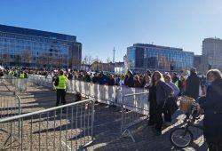"""Augustusplatz, 7. Nove,ber 2020, 12:15 Uhr. Läuft mit der Maskenpflicht bei """"Querdenken"""". Foto: L-IZ.de"""