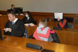 Schweigen bisher: Jacqueline Z. (49, r.) und Daniel M. (33, Gesicht verdeckt) mit den Verteidigern Mario Thomas und Nadine Lippold. Foto: Lucas Böhme
