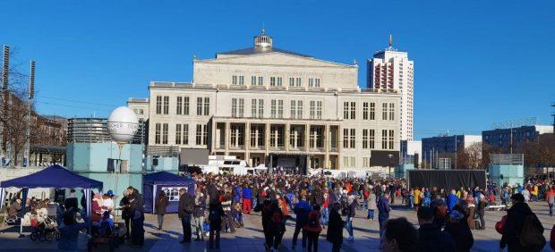 Augustusplatz um 11:30 Uhr am 7. Noveber 2020. Es füllt sich. Foto: L-IZ.de