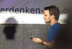 """""""Querdenken""""-Anwalt Markus Haintz aus Ulm in Leipzig. Foto: Tilly Domian"""