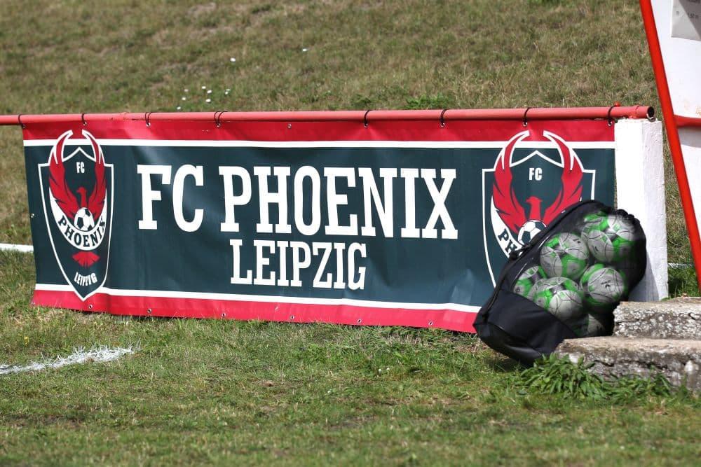 Der Phoenix kann aktuell nicht über den Fußballplatz fliegen. Foto: Jan Kaefer