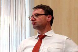 """Stinksauer"" - Sachsens Innenminister Dr. Roland Wöller (CDU). Foto: L-IZ.de"