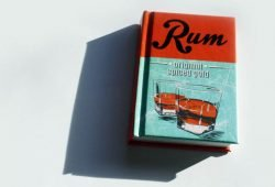 Carlos Steiner: Rum. Foto: Ralf Julke