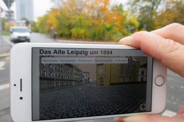 Ansicht der früheren Markthalle (heute: Wilhelm-Leuschner-Platz) auf dem Handy. © Altes Leipzig