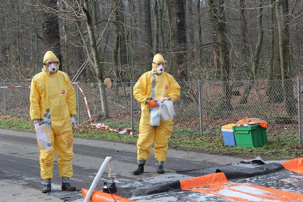 Geflügelpest Mutzschen Veterinäre warten auf Dekontamination Foto: Mike Köhler Kreisfeuerwehrverband