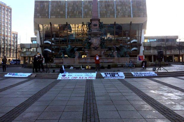Der Gegenprotest am Augustusplatz ca. 14 Uhr. Foto: L-IZ.de