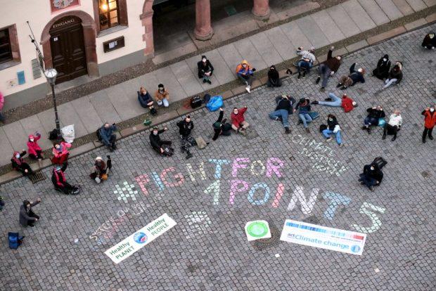 Fridays for Future am 11. Dezember 2020 beim Warm Up zur Demo am 12.12.. Foto: L-IZ.de
